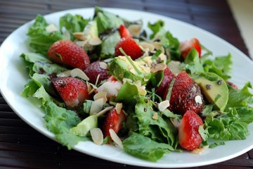 strawberry-avocado-salad