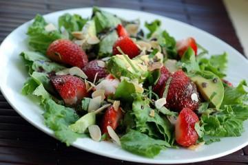 strawberry-avocado-salad