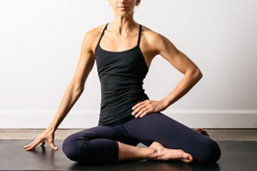 Seated-Fourth-Position-Hip-Stretch