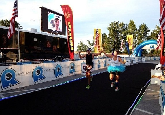 couple-crossing-finish-line-Rev3