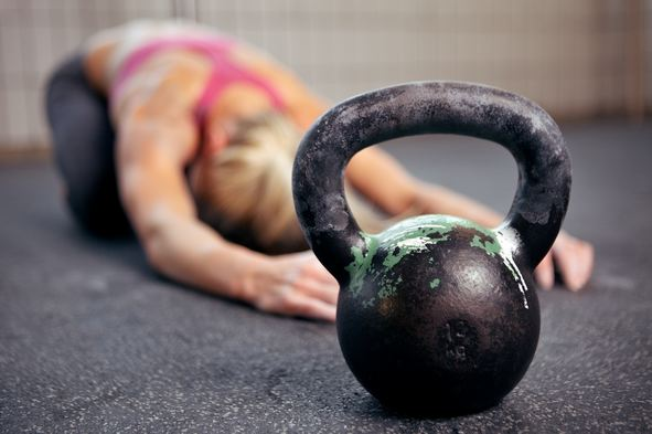 women with kettlebell