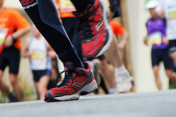 running feet - Flickr - SantiMB.Photos