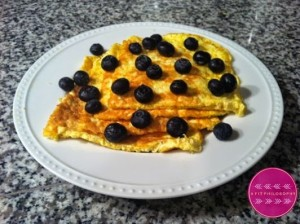 LEMON BLUEBERRY EGG WHITE OATMEAL PANCAKES