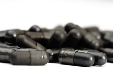 activated-charcoal-pills