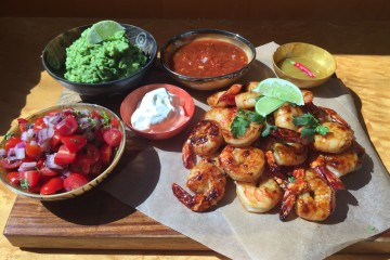 shrimp with salsa and guac
